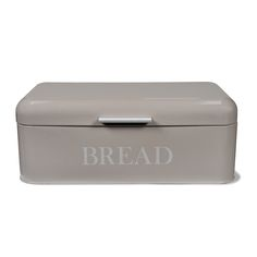 Provide the perfect place to store bread with this Bread Bin from Garden Trading. Adorned with the charming text 'bread' and complemented by a chrome handle, chic natural tones create a stylish ti Barn Kitchen, Real Kitchen, Kitchen Decor, Kitchen Ideas, Bread Bin, Bread Boxes, Chrome Handles, Laque, Kitchen Interior