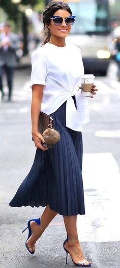 82 Lovely Outfit Ideas You Should Already Own #lovely #outfit #outfitideas #style Visit to see full collection
