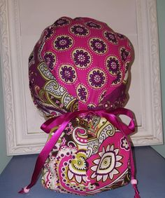 "Scrub Caps Scrub Hats Vera Bradley Fabric ""Very Berry"" by ScrubLub - GS Handmade Diy Mask, Diy Face Mask, Scrub Jackets, Womens Scrubs, Medical Scrubs, Rhythm And Blues, Surgical Caps, I Love Lucy, Alabama Crimson Tide"