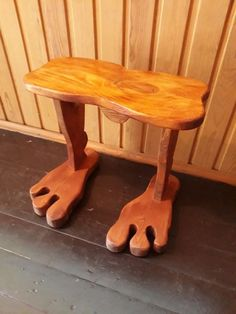 Top Small Woodworking Projects Tips To Get Started In The Craft - Woodworking DIY Small Woodworking Projects, Woodworking At Home, Woodworking Shows, Woodworking Workshop, Popular Woodworking, Woodworking Furniture, Wood Projects, Woodworking Jigsaw, Woodworking Articles