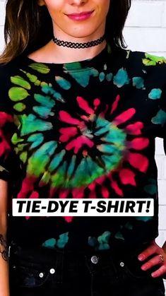 Tie Dye Patterns Diy, Diy Arts And Crafts, Tie Dye Diy, How To Tie Dye, Cute Crafts, Diy Tie Dye Shirts, Clothing Hacks, Diy Fashion, Diy Home Crafts