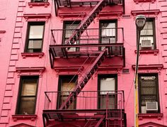 Pink building, SoHo, NYC @Sara Eriksson Gabrielle we need to find this when we are there hehehe!!!