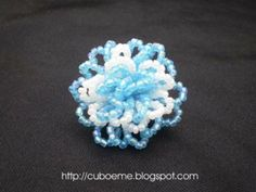 escarapela de mostacillas Bead Jewellery, Jewelry, Tree Branches, Art Pieces, Beads, Mayo, Flowers, How To Make, Craft Rooms