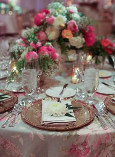 love love love the floral tablecloth!!