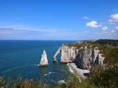 #Etretat  #France #mer #plage #vacation #voyage #travel #summer #été #bleu #blue