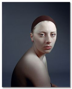 Hendrik Kerstens photograph of his daughter Surrealism Photography, Fine Art Photography, Portrait Photography, Rembrandt, Kreative Portraits, Sad Movies, Muse Art, Renaissance Paintings, Contemporary Photographers