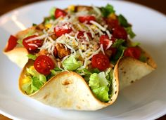 Make fun and tasty tortilla bowls quickly and easily ready for your favorite fillings! Shape your tortilla in the tortilla bowl mold and bake for 5 minutes. Authentic Mexican Recipes, Best Mexican Recipes, Favorite Recipes, Parmesan, Tortilla Bowls, Taco Bowls, Salad Bowls, Salad Recipes, Healthy Recipes