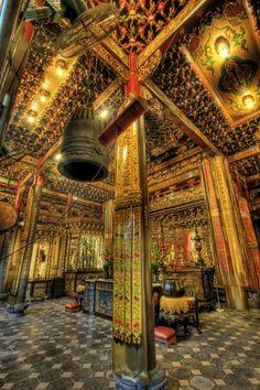 Longshan Temple (龍山寺) at Taipei by Danny Tan