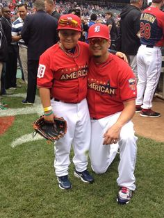 with his son, Victor Jr., during BP before the 2014 MLB All-Star Game pregame show (7/15/14)