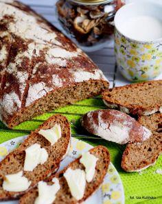 Smaczna Pyza: Domowe pieczywo. Chleb pszenny z suszonymi grzybami i olejem rzepakowym, na zakwasie.