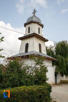 clopotnita-de-la-biserica-sf-apostoli-petru-si-pavel-din-alexandria-judetul-teleorman.jpg