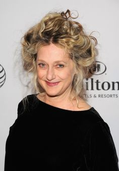 Carol Kane (Could also play Mrs. Alexander)
