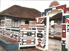 A etnia africana que usa as fachadas de suas casas como tela para pinturas coloridas   Nômades Digitais
