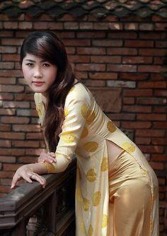 Tất cả các kích cỡ | 9309508025_d1e57660f1_o | Flickr - Chia sẻ hình ảnh! Vietnamese Traditional Dress, Vietnamese Dress, Beautiful Asian Women, Beautiful Indian Actress, Indian Beauty Saree, Ao Dai, Sexy Asian Girls, Women's Summer Fashion, Asian Woman