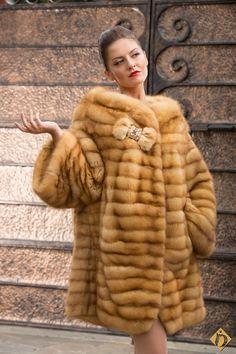 1a4795d5c Luxe calme et volupté Fabulous Furs, Fur Fashion, Winter Fashion, Fur Jacket ,