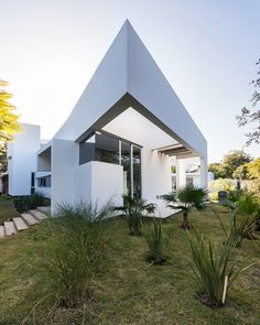 FCP arquitectura builds mooe house in argentina