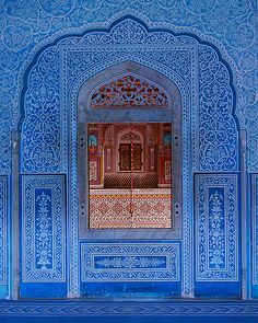"hinducosmos: ""Indian Style Window Pushkar Rajasthan (via Oman @ Whynot Studio) "" India Architecture, Architecture Details, Gothic Architecture, Ancient Architecture, Beautiful Buildings, Beautiful Places, Nepal Tibet, Gangtok, Photo Souvenir"
