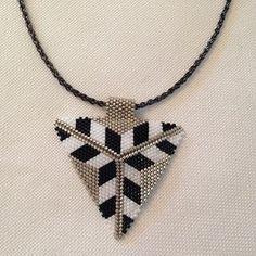schmuck design # # # amulett halskette armband # # nazarboncugum von miyuki peyote # # # delic the HandMine . Bijoux Design, Schmuck Design, Jewelry Design, Beaded Earrings, Beaded Jewelry, Feather Earrings, Mode Blog, Bead Loom Bracelets, Bracelets