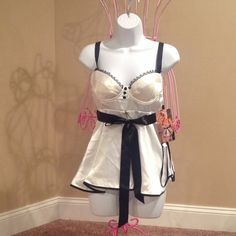 BABYDOLL SET  NEW WITH RETAIL TAGS GORGEOUS 2 PIECE LINGERIE SET WITH BRA CLOSER IN BACK & THONG PANTIES. WHITE AND BLACK IN COLOR. SHIRLEY OF HOLLYWOOD Intimates & Sleepwear