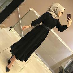 Image may contain: 1 person shoes Hijab Clothing İslami Erkek Modası 2020 Hijab Fashion Summer, Modern Hijab Fashion, Hijab Fashion Inspiration, Muslim Fashion, Fashion Outfits, Hijab Prom Dress, Hijab Evening Dress, Hijab Style Dress, Hijab Outfit