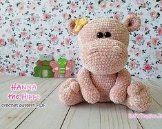 Amigurumi crochet patterns and cute toys de SoftToyForJoy en Etsy Crochet Hippo, Crochet Bee, Crochet Teddy Bear Pattern, Crochet Toys, Crochet Patterns, Crochet Ideas, Christmas Teddy Bear, Cute Toys, Crochet Basics