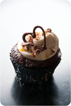 The REAL Housewives of Riverton: Snickers Cupcake & Recipe Round Up #2