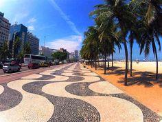 Rio de Janeiro, O famoso Calçadão de Copacabana criado por Burle Marx