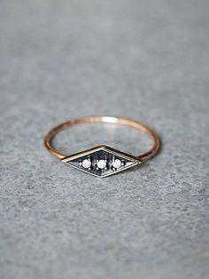 Eike Diamond Ring