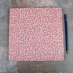 Altrosa-Gästebuch-mit-kleinen-Kleeblättern