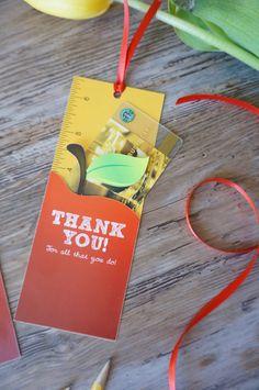 TeacherAppreciationPrintable bookmark gift card holder