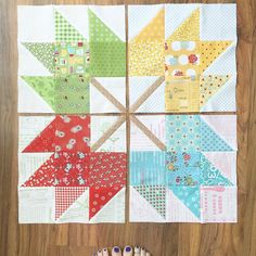 Cute scrappy maple leaf quilt blocks by Lori Holt - pattern in her book called Farm Girl Vintage Fall Quilts, Scrappy Quilts, Mini Quilts, Quilt Block Patterns, Pattern Blocks, Quilt Blocks, Half Square Triangle Quilts, Square Quilt, Quilting Projects