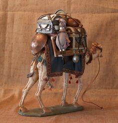 Camello cargadisimo Christmas Nativity, Christmas Time, Fontanini Nativity, Miniature Rooms, Medieval Town, Camels, Bottle Art, Dresden, Beautiful Christmas