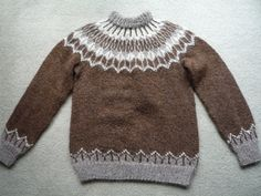 Ravelry: Sweater, Samband of Iceland No. 2 pattern by Anna Árnadóttir Double Knitting Patterns, Icelandic Sweaters, Sweater Patterns, Stockinette, Color Combos, Lana, Knit Crochet, Knitwear, Wool