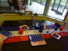 Easy table setting for July 4th.