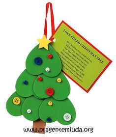 Árvore de natal com corações de EVA ou papel