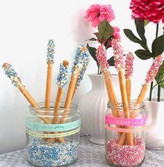 Soepstengels met muisjes voor een originele babyborrel! #babyshower #babyborrel #kraamfeest #organize #decorate #snacks #feest #party #blog #Beaublue