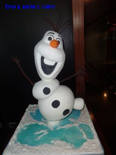 Olaf -Frozen- 3D structure cake