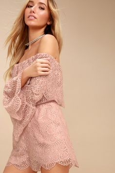 Romance is just around the corner, with the BB Dakota Kennedy Mauve Pink Lace Off-the-Shoulder Romper! Elegant eyelash lace forms this adorable off-the-shoulder romper, with an elasticized neckline, flounce bodice, and long sleeves with flounce cuffs. Elastic waist tops scalloped shorts with side seam pockets.