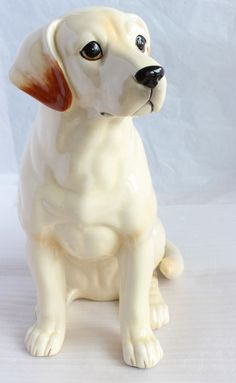 "11""H Large Yellow Labrador Retriever Sitting Dog Porcelain Figurine Japan NEW"