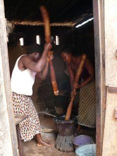 Pounding Fufu, Togo