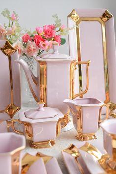 Pink Tea Cups, Tea Cup Set, Tea Sets Vintage, Coffee Set, Cupping Set, Küchen Design, Tea Party, Porcelain Tea Sets, Porcelain Tile