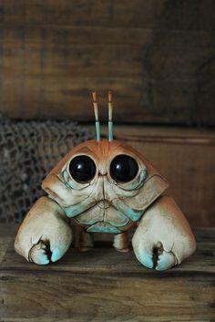 Fantasy | Whimsical | Strange | Mythical | Creative | Creatures | Dolls | Sculptures | Harlequin Clawmper - Chris Ryniak