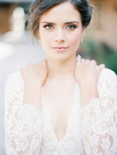 Timeless bridal beauty inspiration: http://www.stylemepretty.com/vault/gallery/38043 | Photography: Winsome + Wright - http://winsomeandwright.com/