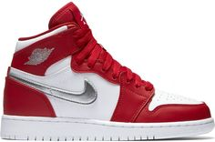 Pre-Owned Jordan 1 Retro High Silver Medal (gs) In Gym Red/metallic Silver-white Jordan 1 Red, Jordan 1 Retro High, Gucci Sneakers, Sneakers Nike, Jordan 1 Flight, Authentic Jordans, Mens Fashion Shoes, Shoe Closet, Custom Shoes