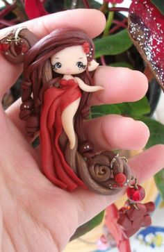 polymer clay - no link. Polymer Clay Figures, Cute Polymer Clay, Cute Clay, Polymer Clay Dolls, Polymer Clay Projects, Polymer Clay Charms, Polymer Clay Creations, Polymer Clay Jewelry, Clay Crafts
