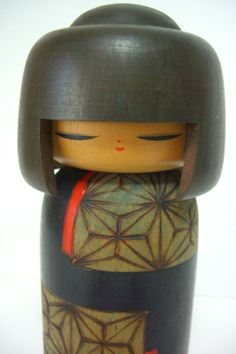 Kokeshi doll vintage Japanese by StyledinJapan on Etsy Momiji Doll, Kokeshi Dolls, Japanese Gifts, Vintage Japanese, Japanese Traditional Dolls, Hina Matsuri, Asian Doll, Arte Popular, Mille