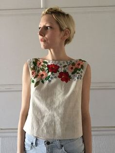 Handmade linen tank top Size 6, with top stitching detail, French darts, and neckline facing (unlined) Zipper closure down center back Hand embroidered with flowers