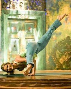 Shiva Rae, favorite yogini of my teacher Myrna Kemenade. Fantastic wall and entrance door!