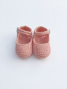 Diy Crafts - Knit Baby Booties Knit Baby Shoes Knit Crib by MarigurumiShop