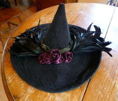 ADORE this witchy hat. Absolutely need one of my own. Halloween Items, Family Halloween Costumes, Holidays Halloween, Halloween Crafts, Halloween Witches, Halloween Prop, Happy Halloween, Halloween Tricks, Halloween Halloween